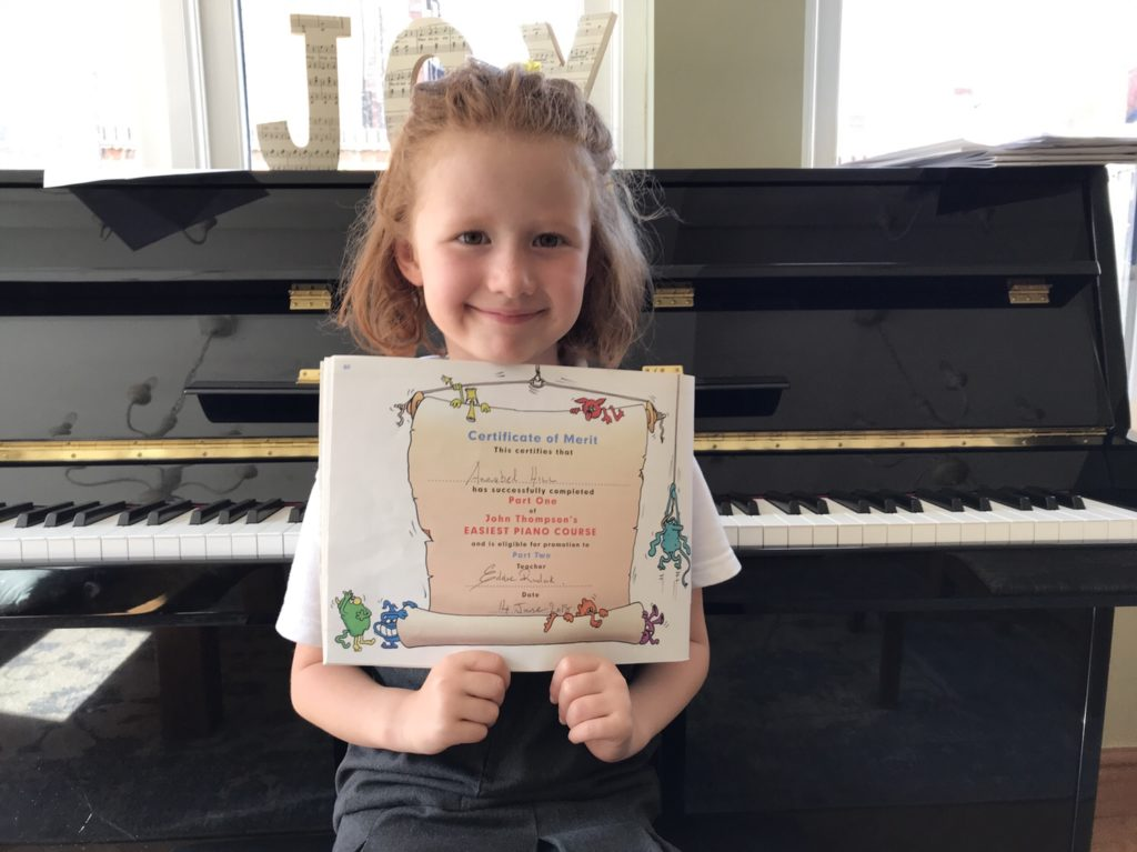 Piano Lessons Derby teach Private Piano Lessons to adults and children of all ages and abilities
